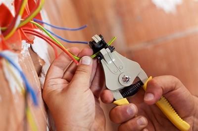 electrician-cost-in-seminole--fl